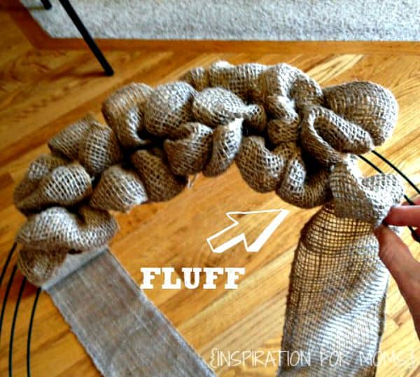 DIY Burlap Wreath-fluff step