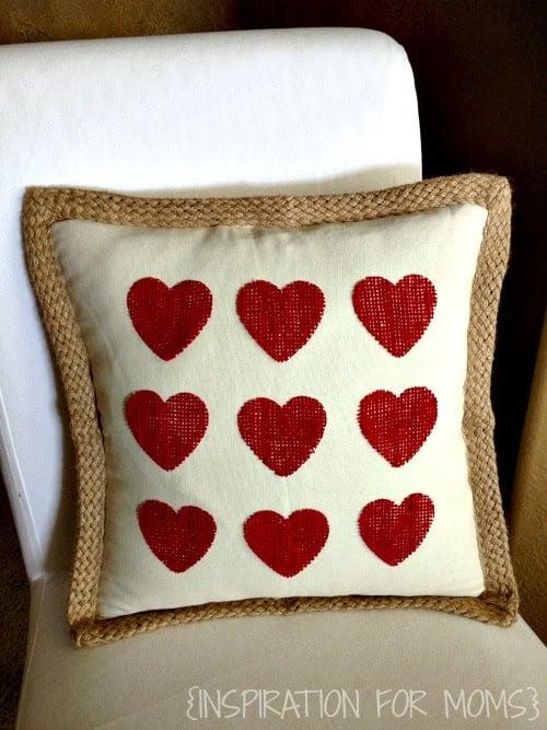 No-Sew Burlap Valentine Heart Pillow & No-Sew Burlap Valentine Heart Pillow - Inspiration For Moms pillowsntoast.com
