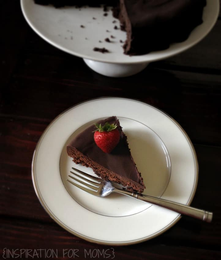 one bowl flourless chocolate cake slice