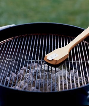 clean your grill with onions