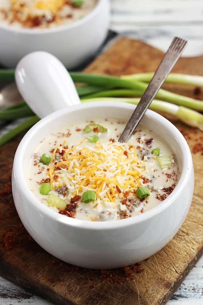 slow-cooker-cheeseburger-soup-5