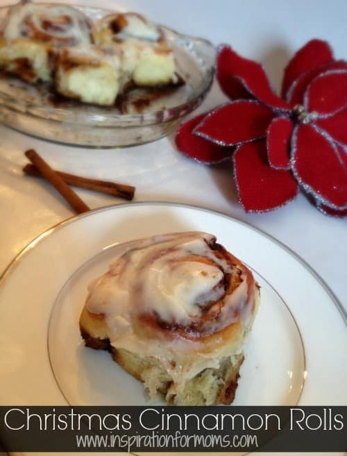 christmas+cinnamon+rolls+cover