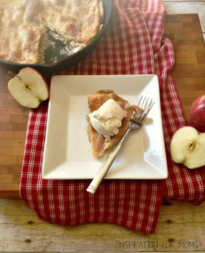 Easy-Skillet-Apple-Pie-31