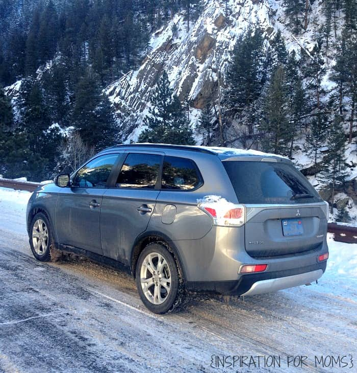 Mitsubishi Outlander - 2015 in Mountains