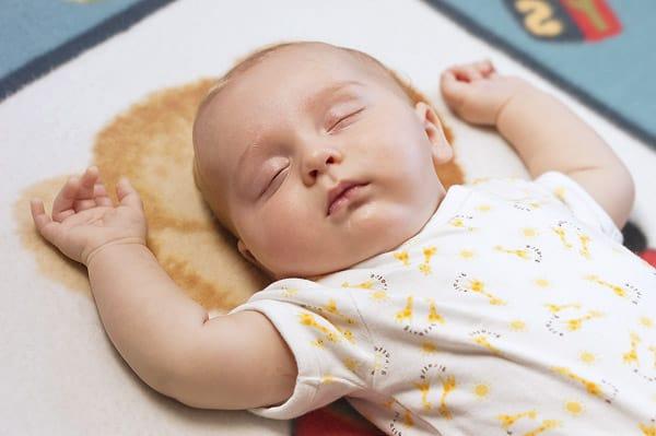 baby-sleeping-on-back