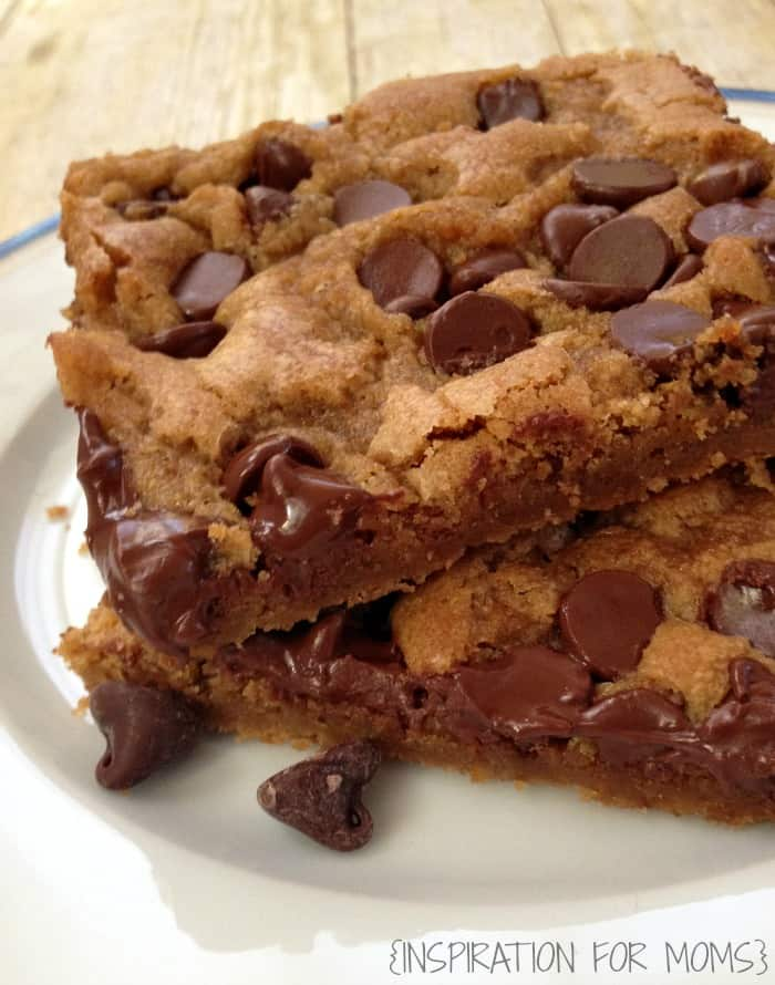 Chewy Chocolate Cookie Bars close up2