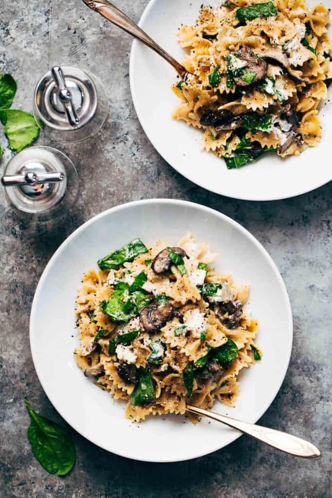 Date-Night-Mushroom-Pasta-31