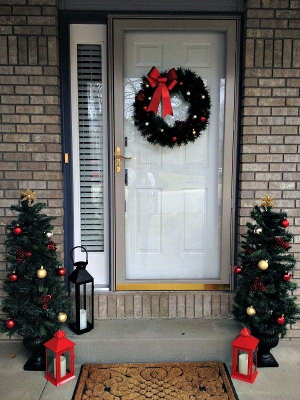 easy christmas front door decor