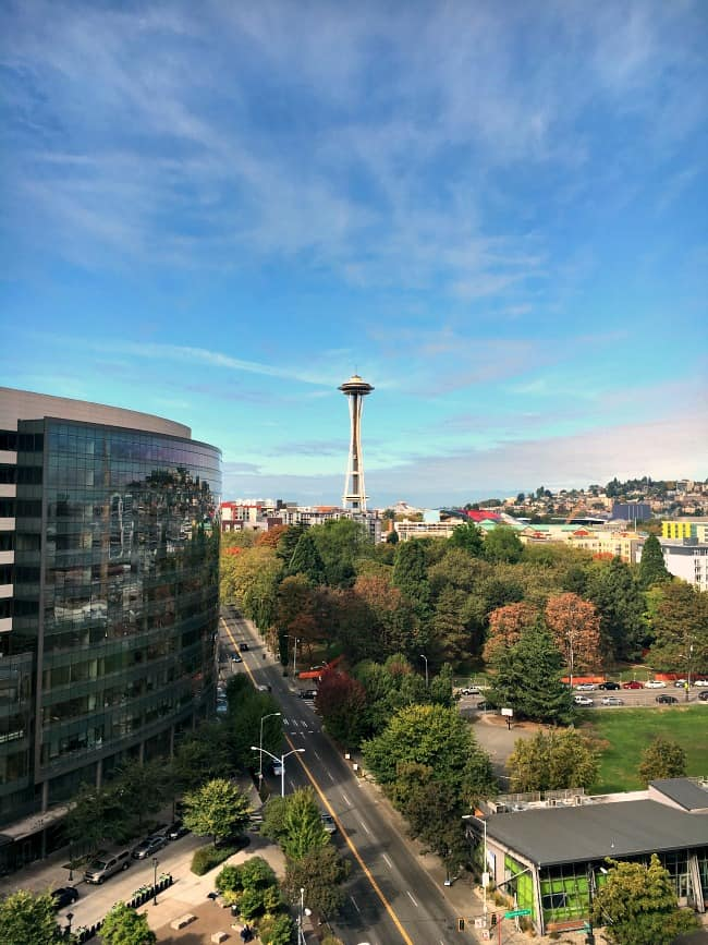 pan-pacific-hotel-seattle-has-awonderful-view-of-the-seattle-space-needle