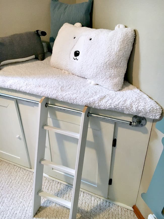 the-reading-nook-ladder-and-pillows