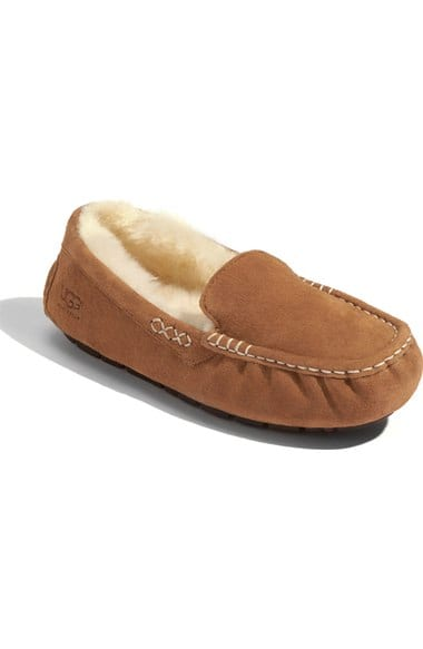 This ultimate gift guide for the lady has a great collection of gifts for any lady in your life, like these slippers!