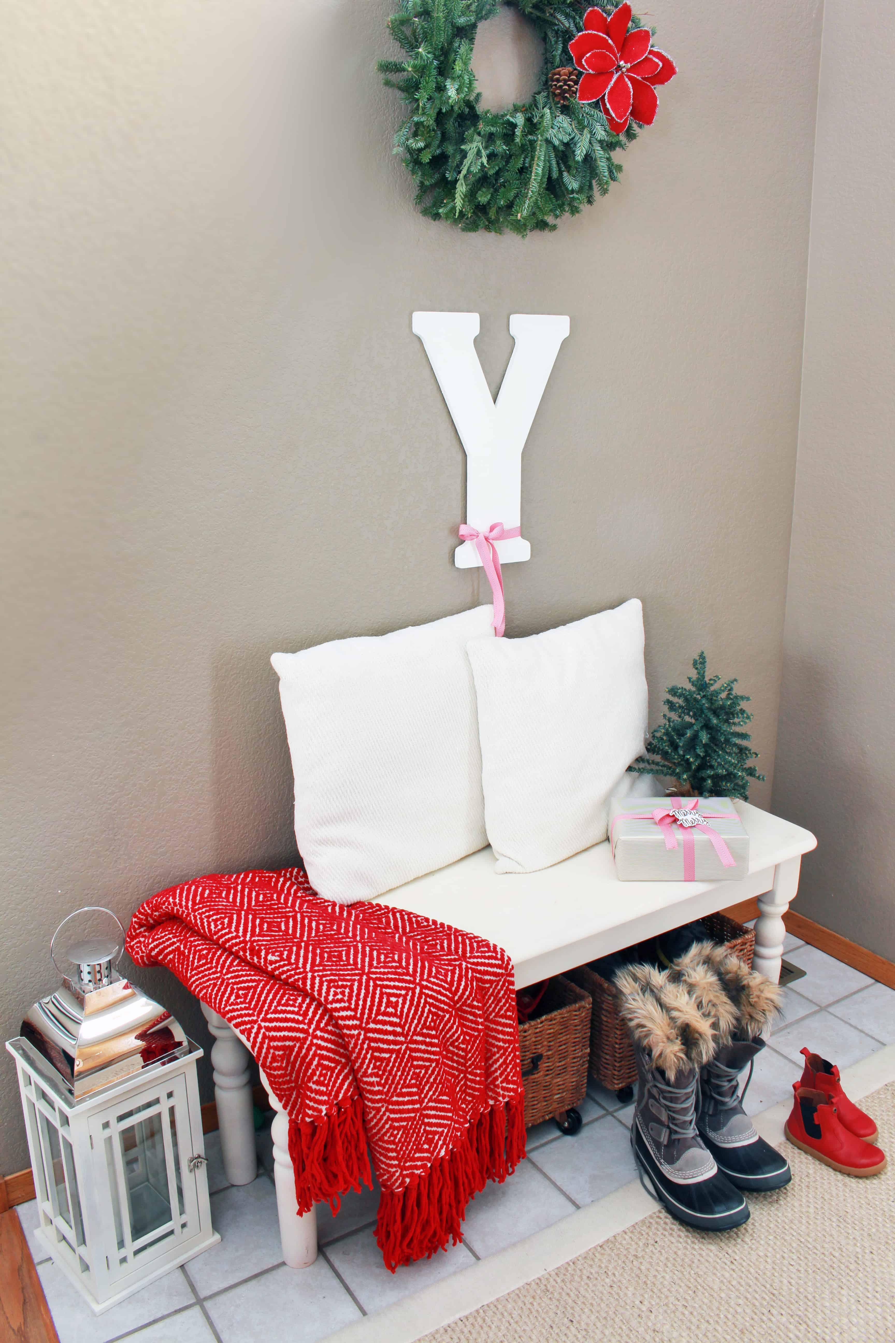christmas-home-tour-entry-way-bench-inspirationformoms