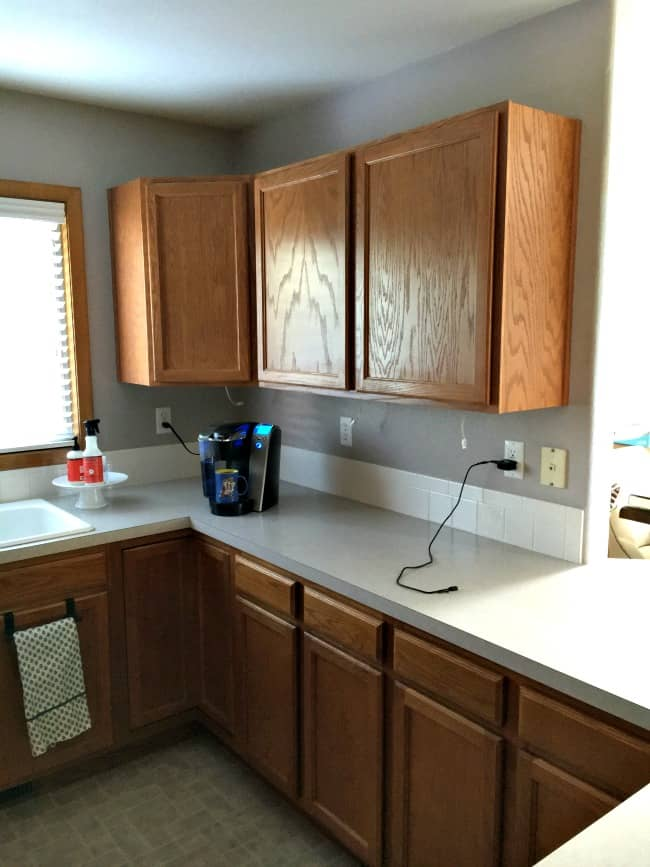 how to easily paint kitchen cabinets - cabinets before painting