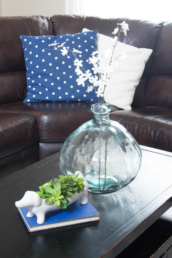 Spring Home Tour - navy pillows with vase