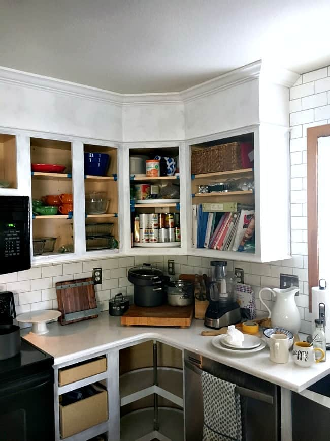 how to easily paint kitchen cabinets - primed cabinet frames