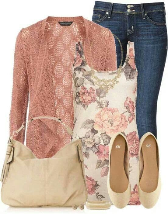 casual spring outfit with pops of pink