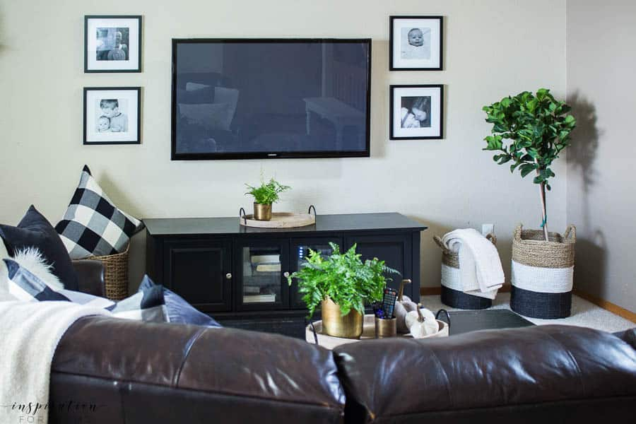 Welcome to a neutral Fall home tour with white pumpkins and plenty of cozy touches. fall living room, buffalo check, velvet pumpkins, fiddle leaf tree