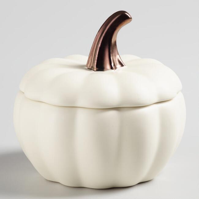 Lovely ceramic white pumpkin bake set of 4 --- great for Fall soups!