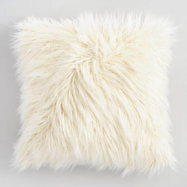 Love this faux fur throw pillow. Great for the couch in Fall!
