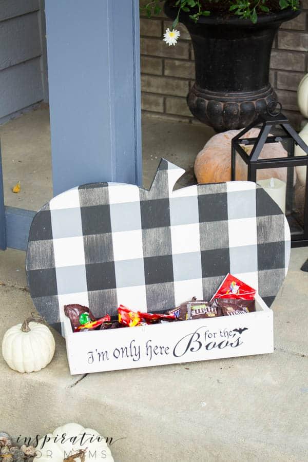 DIY Buffalo Check Pumpkin Candy Holder