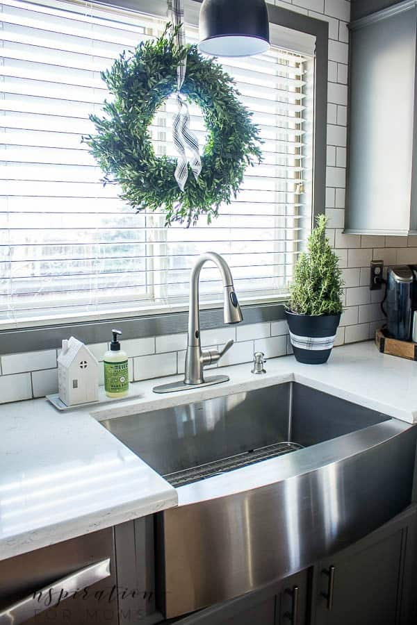 Christmas Home Tour: Kitchen and Dining Room