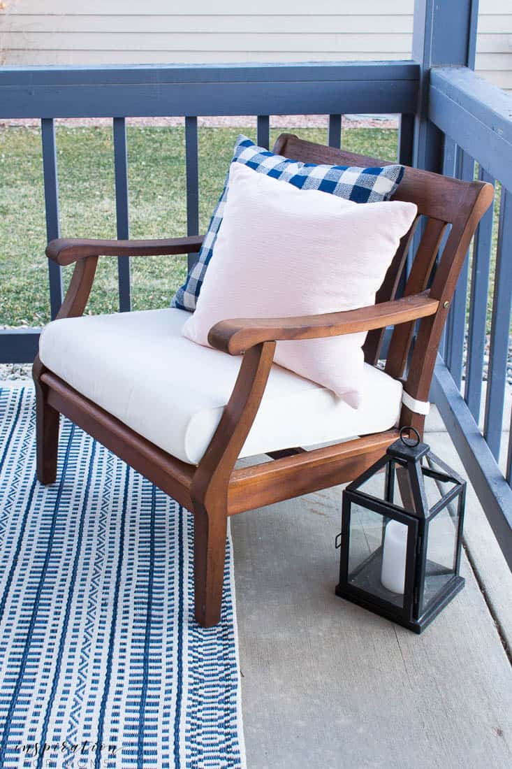 five easy tips to get your front porch spring ready buffalo check pillow blush pink navy rug
