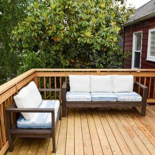 DIY outdoor loveseat and sofa tuorial