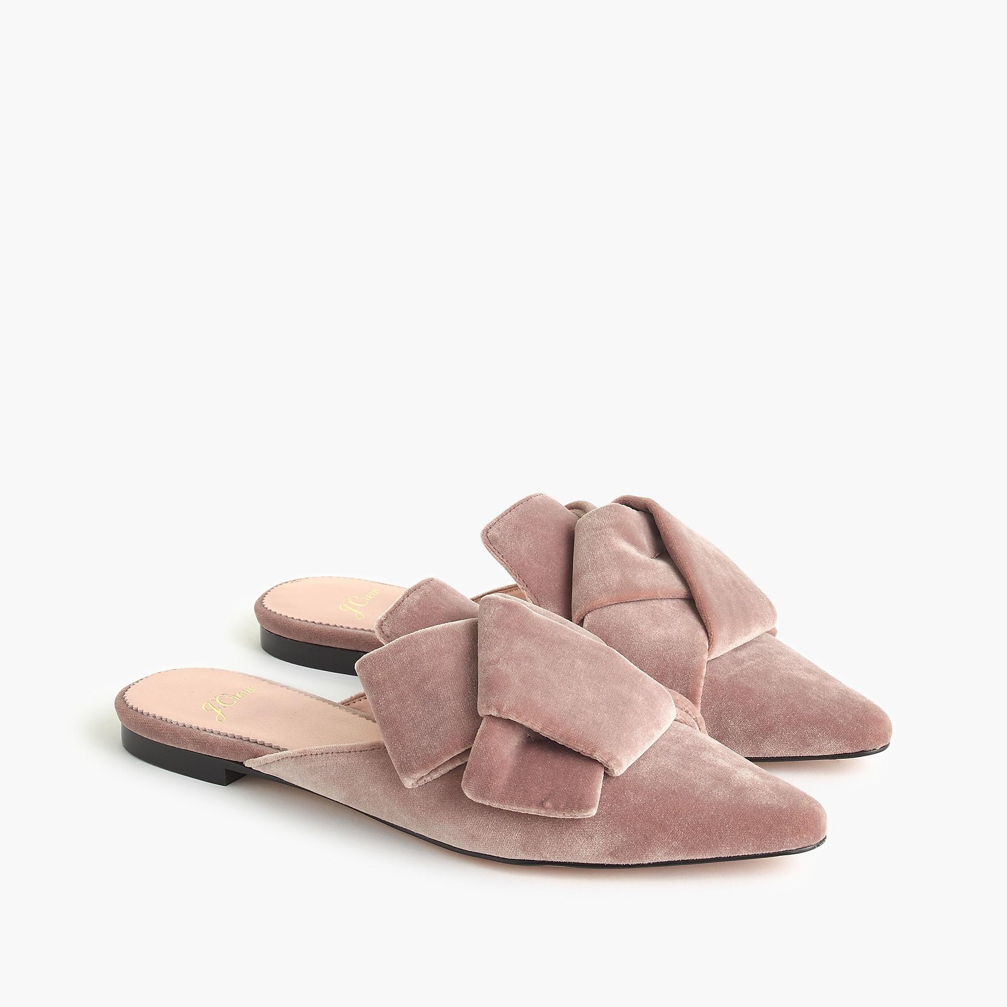 pointed-toe slides in velvet --- so cute for fall!