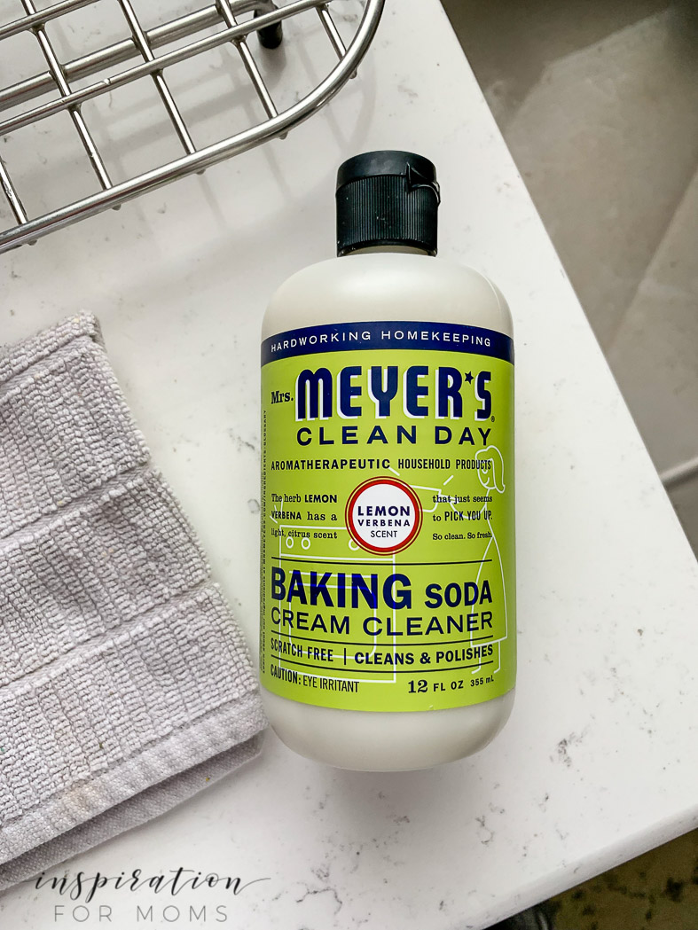use mrs meyers baking soda cream cleaner to get kitchen clean fast