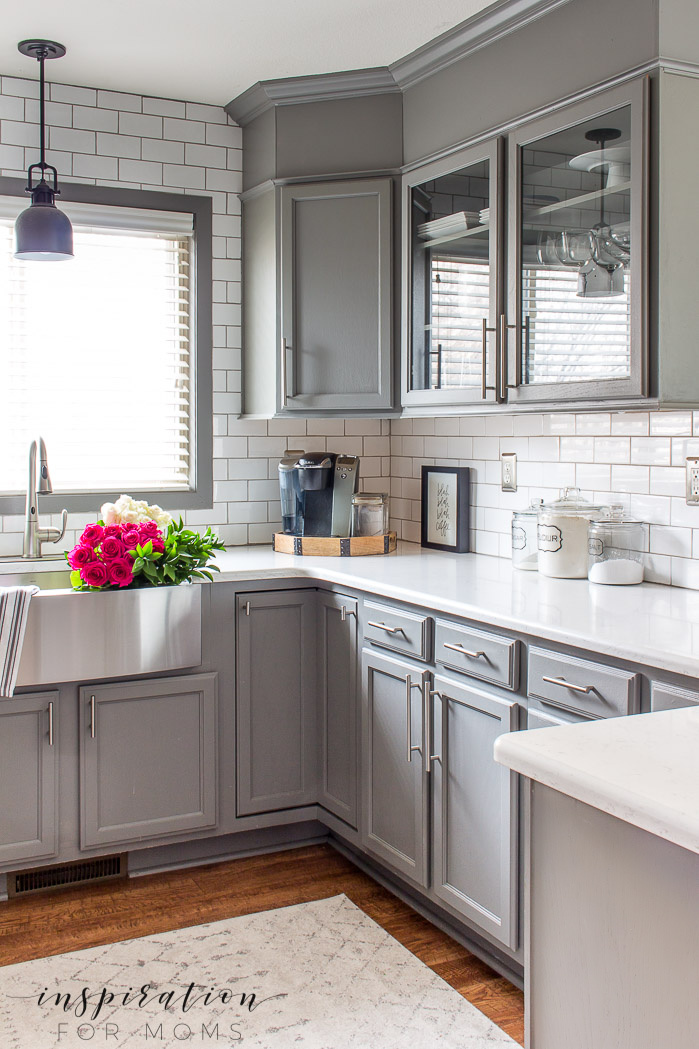 Learn how to make your house a home with five comfortable home design tips you can easily do! kitchen gray cabinets