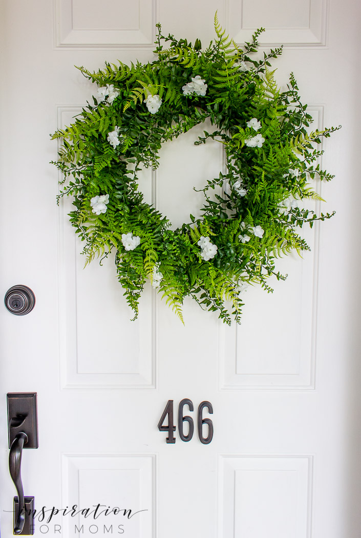 Come learn the story of how a summer wreath fern tutorial turned into a little less of a tutorial - despite my best efforts.fern faux wreath