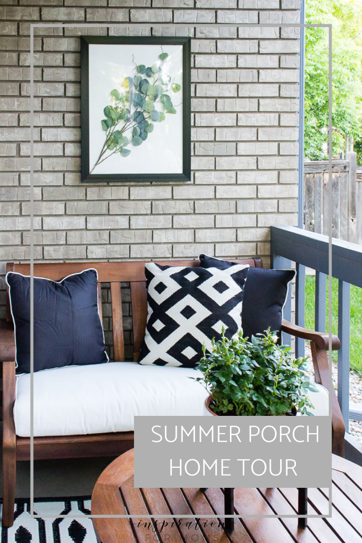 Welcome to a simple summer home tour featuring our front porch and kitchen. Full of beautiful black and white -- a stylish neutral decor sure to inspire!