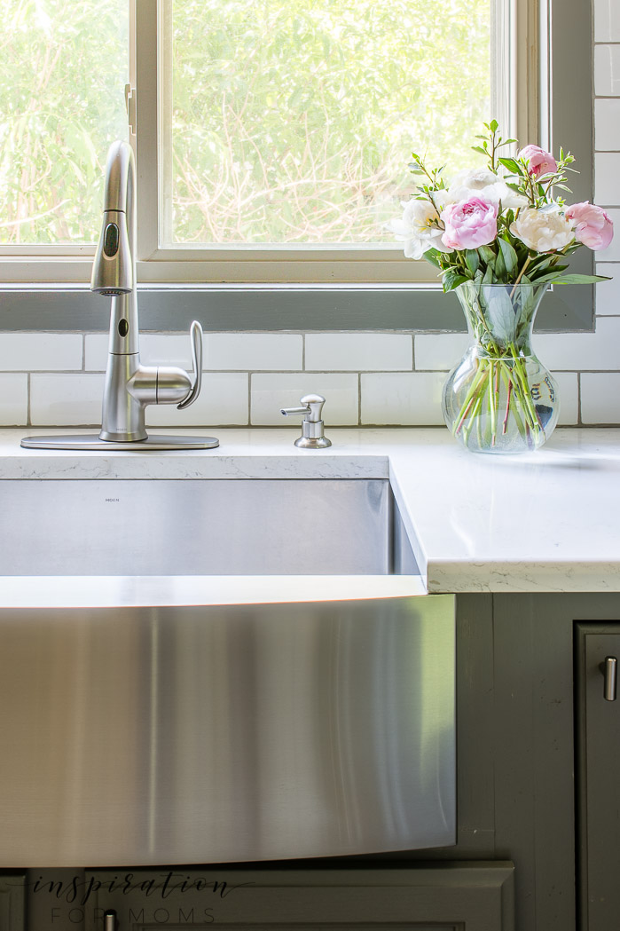 farmhouse sink with peonies