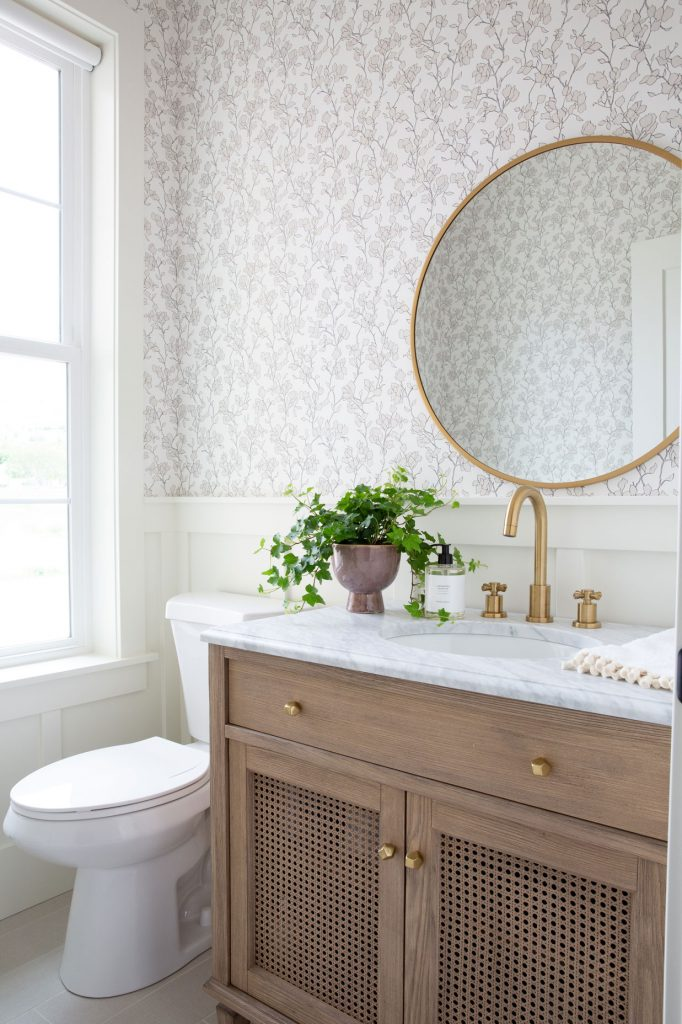 wallpaper in small spaces