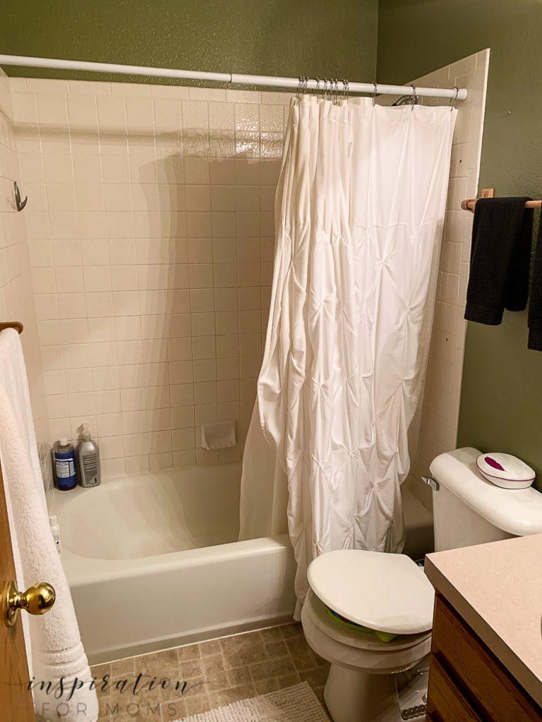 bathroom before new bathroom tile