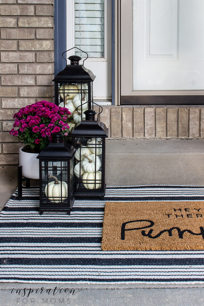 Make Your Home Cozy With Attractive Layered Fall Doormats