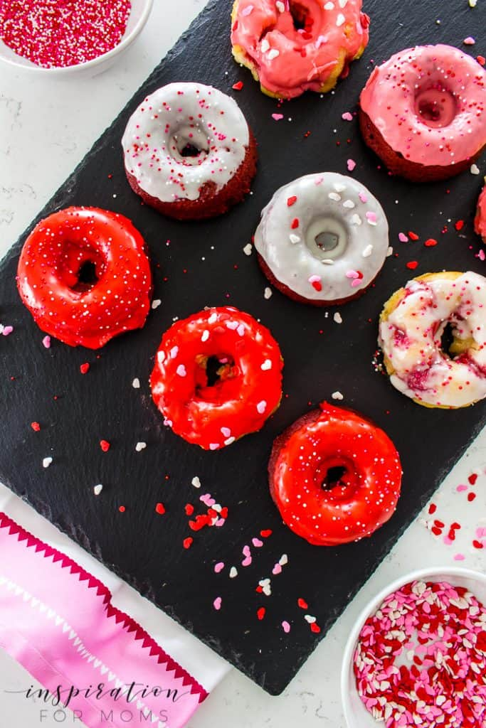 You doughnut know how much I love to bake for my boys! The fastest way to their hearts is sweet treats so this year I'm making them TWO different types of Valentine's Day Doughnuts.