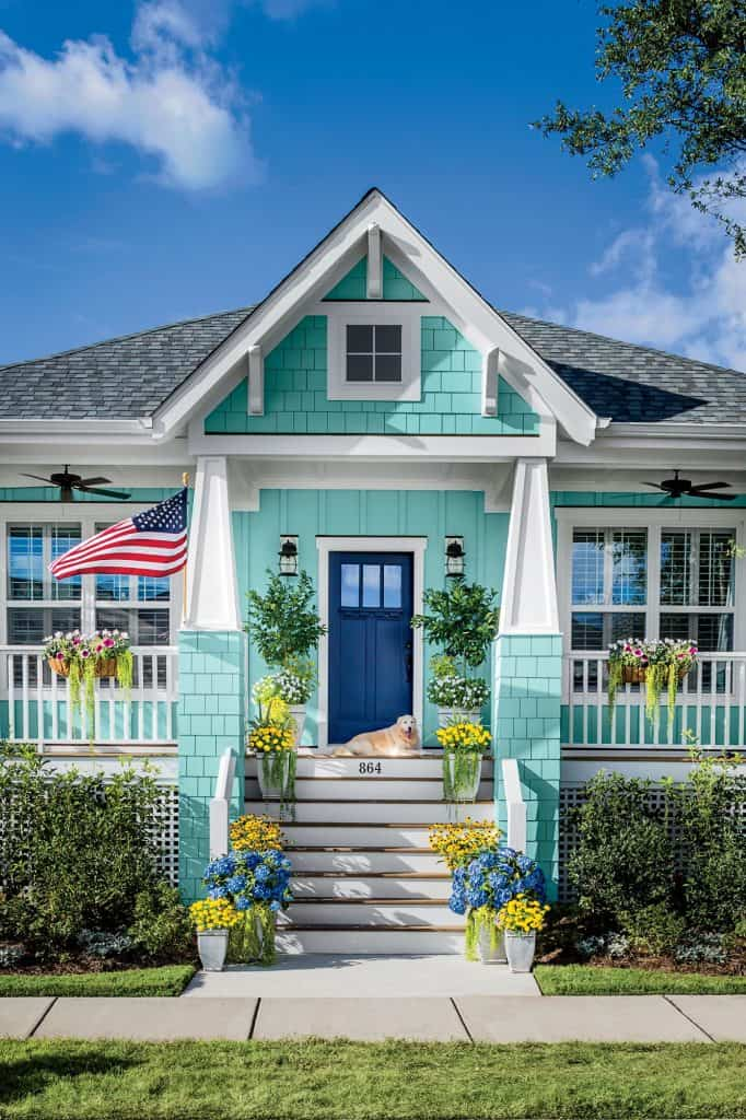 Freshen up your homes curb appeal with new planters. #curbappeal
