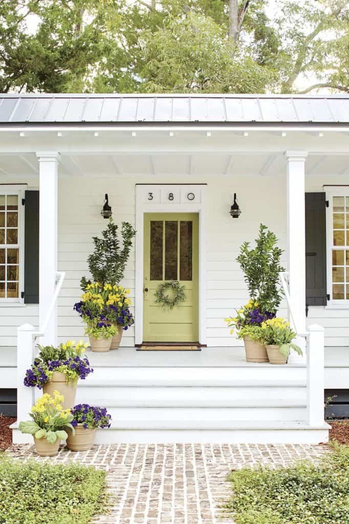 Freshen up your homes curb appeal with new house numbers or mailbox. #curbappeal