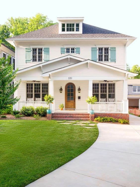 Improving your home's curb appeal shouldn't be reserved for just when selling. Discover 7 easy ways to freshen up your homes outdoor appearance. #curbappeal