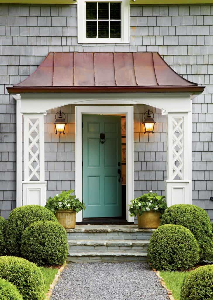 Freshen up your homes curb appeal with new lights. #curbappeal
