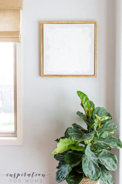 Build an easy canvas floating frame for your next masterpiece with this simple step-by-step tutorial! #canvasfloatingframe #canvasframe