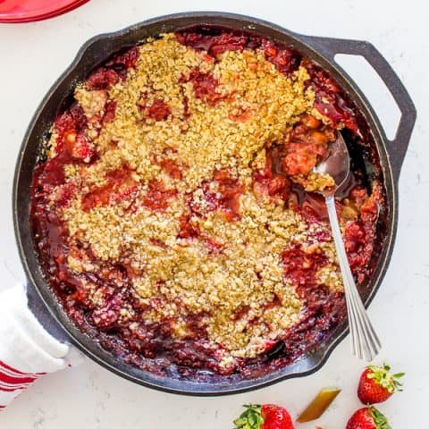 This rhubarb strawberry crisp is an easy, sweet after dinner treat. Top with a scoop of ice cream and you have a fantastic dessert! #rhubarbstrawberrycrisp
