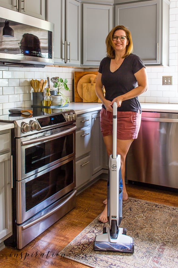 Got pets? Then let me introduce to the Hoover ONEPWR Cordless Cleaning tools you need in your life! #hoover #cordlesscleaningtools #ONEPWR