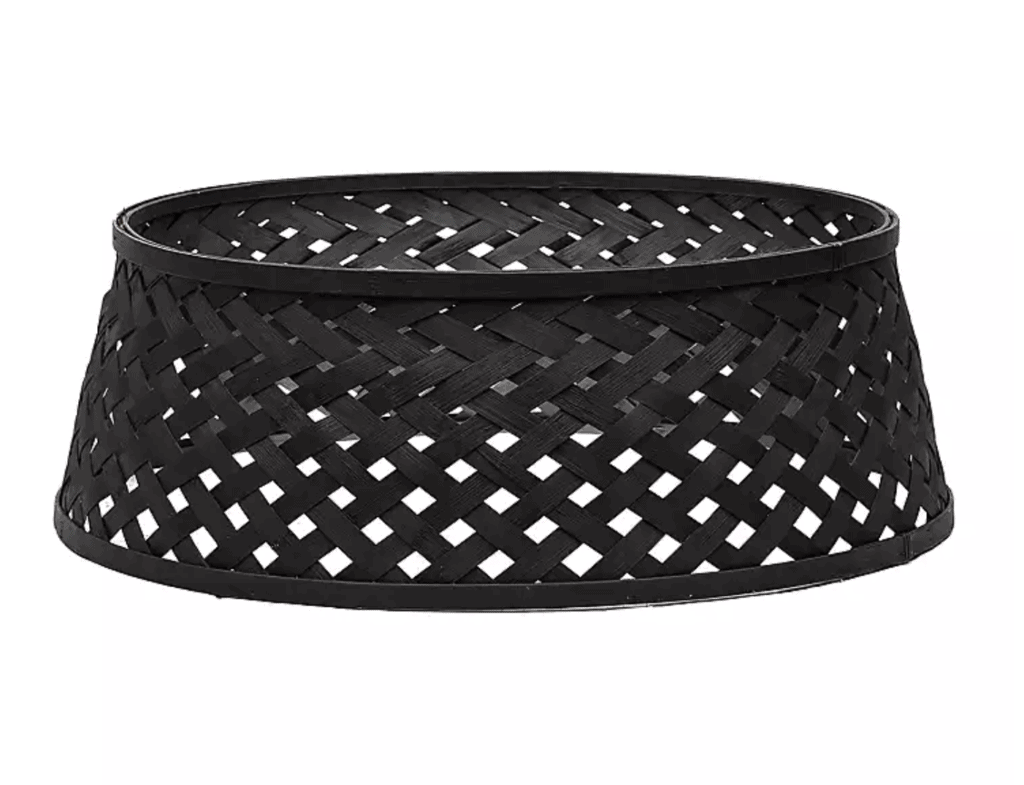 black woven tree collar