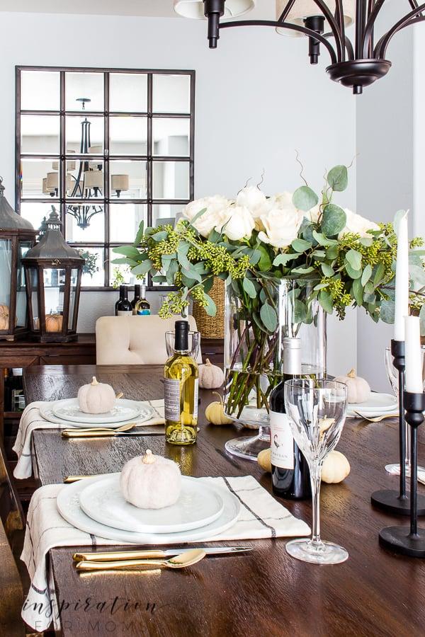 10 Helpful Tips for Hosting Thanksgiving Dinner