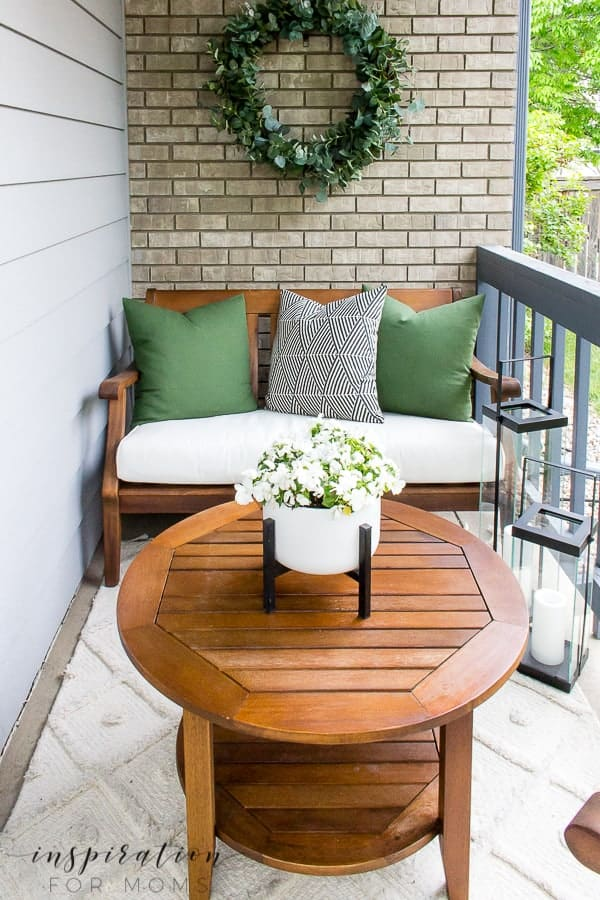 Finding outdoor furniture you'll love for years can be tricky. Learn my best tips on how to select and where to buy! #outdoorfurniture #buyingtips #furniture