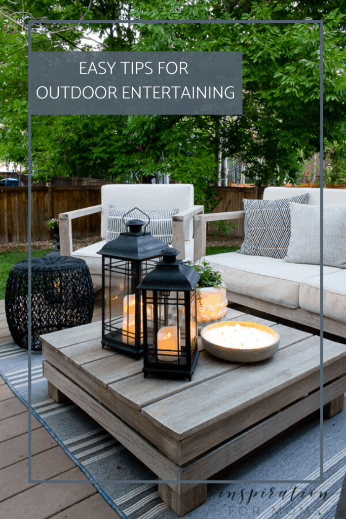 It's summer and everyone wants to live outside. So I've put together some of my best tips for outdoor entertaining! #outdoorentertaining