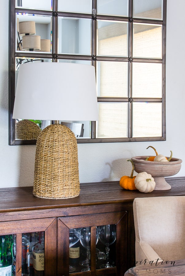 No need to go crazy to achieve a warm, cozy fall feeling in your home. A few touches of some simple fall decor is all you need! #falldecor