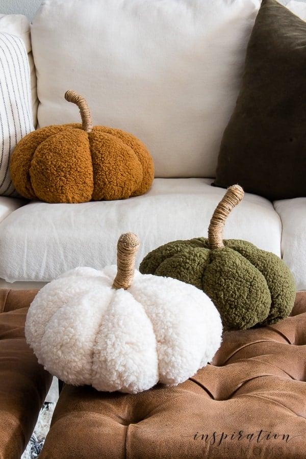 How To Easily Make Cozy Pumpkin Pillows